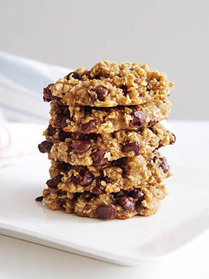 Gluten Free Oatmeal Chocolate Chip Cookies with Quinoa Flakes | The Best of This Life