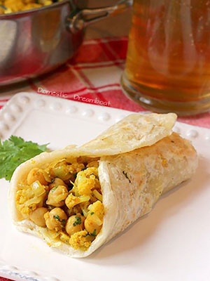 Curried Cauliflower and Chickpea Wraps | Domestic Dreamboat