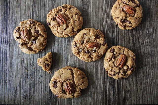 Chococlate Pecan Kamut Cookies | Crave the Good