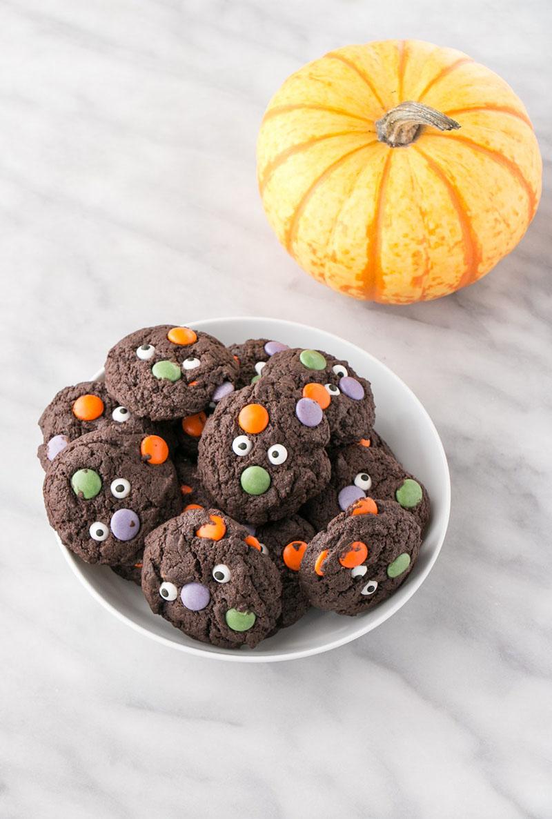 Halloween Monster Cookies | My Kitchen Love