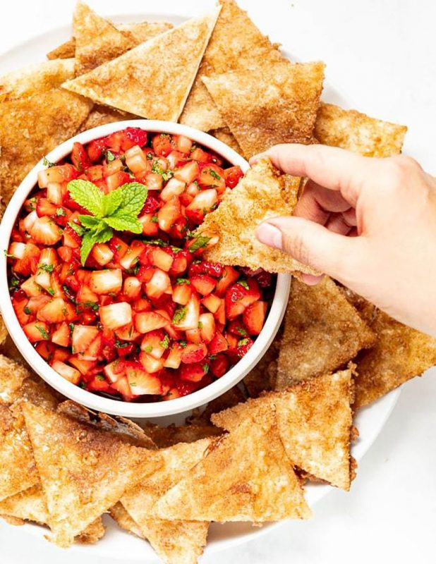 Strawberry Salsa with Cinnamon Chips | A Virtual Vegan
